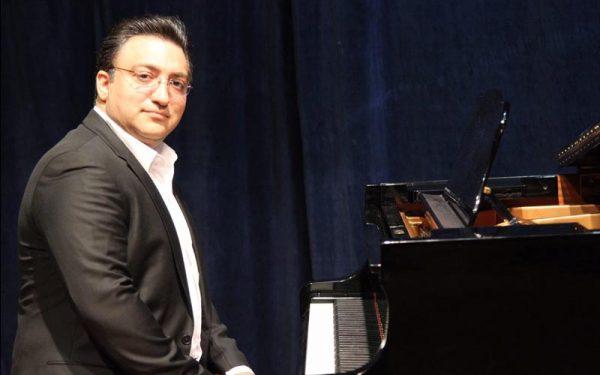 نوازندگی پیانو داریوش نخشبی
